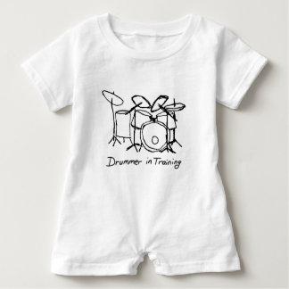 Macacão Para Bebê Baterista no treinamento