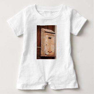 Macacão Para Bebê Caixa postal oxidada fora