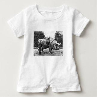 Macacão Para Bebê Cavaleiro do porco