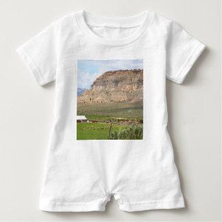 Macacão Para Bebê Cultivando o país e as colinas, Utá do sul