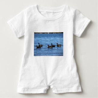 Macacão Para Bebê Gansos no lago