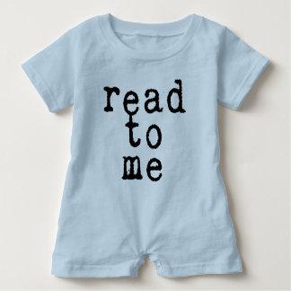 """Macacão Para Bebê """"leia-me"""" na pia batismal de máquina de escrever"""