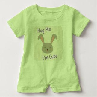 """Macacão Para Bebê O coelho """"abraça-me, mim é"""" design bonito"""