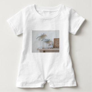 Macacão Para Bebê Pássaros e carneiros de madeira do vidoeiro
