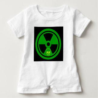 Macacão Para Bebê Sinal radioativo do cuidado com crânio