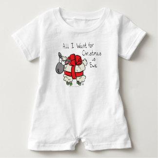 Macacão Para Bebê Tudo que eu quero para o Natal é bebê dos desenhos