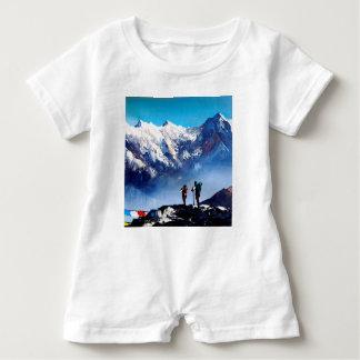 Macacão Para Bebê Vista panorâmica da montanha máxima de Ama Dablam