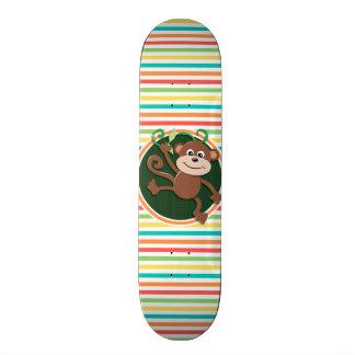 Macaco; Listras brilhantes do arco-íris Skates