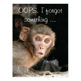 Macaco Scared com o cartão de texto grande dos
