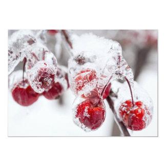 Maçãs de caranguejo congeladas no ramo nevado convite 12.7 x 17.78cm