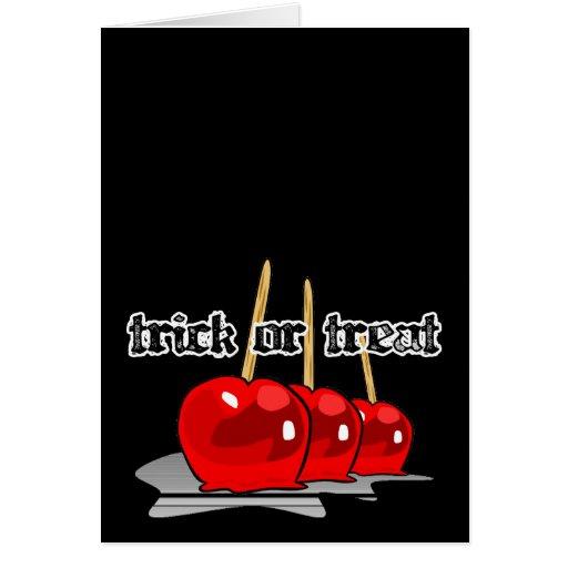 Maçãs de doces vermelhas da doçura ou travessura 3 cartoes