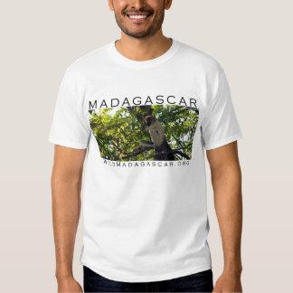 MADAGASCAR: camisa do lemur do sifaka Tshirts