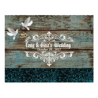 Madeira afligida com pombas e brilho que Wedding Cartão Postal