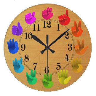 Madeira da roda de cor do arco-íris do linguagem relógio grande