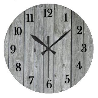 Madeira de vista autêntica bonita do celeiro relógio grande
