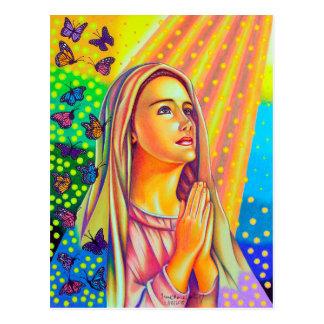 Mãe Mary que Praying com luz de cima de Cartão Postal