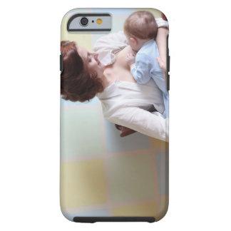 mãe nova quealimenta seu bebé capa tough para iPhone 6