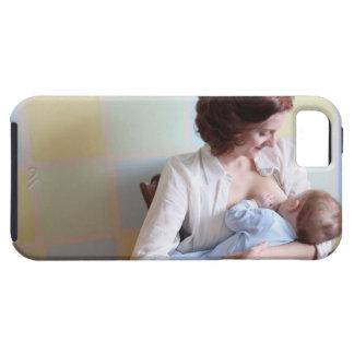 mãe nova quealimenta seu bebé capas para iPhone 5