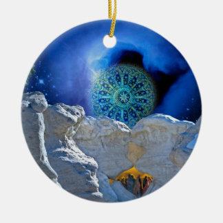Mágica da Noite de Natal Ornamento De Cerâmica Redondo