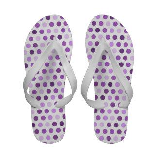 Malva, roxo violeta, bolinhas brancas flip-flops