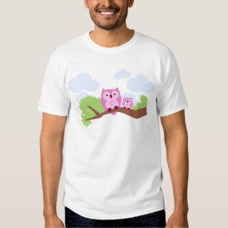 Mamã cor-de-rosa bonito e bebê da coruja t-shirts