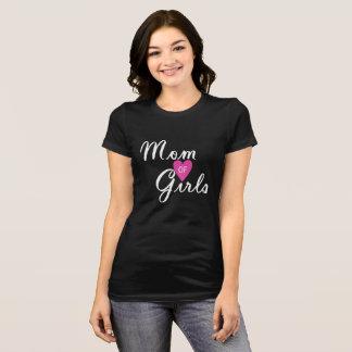 Mamã da camisa das meninas