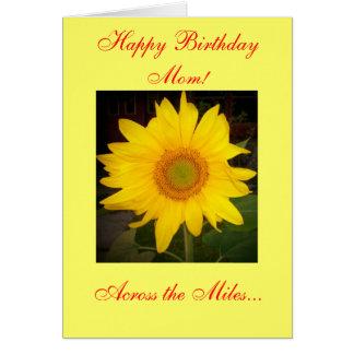 Mamã do feliz aniversario! Através do cartão das