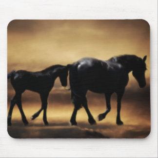 Mamã dos cavalos e I Mouse Pads
