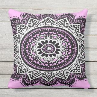Mandala cor-de-rosa almofada para ambientes externos