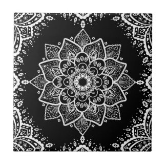 Mandala floral branca & quadro branco no preto azulejo quadrado pequeno