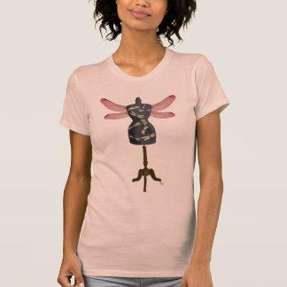 Manequim da libélula tshirts