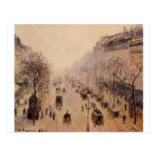 Manhã, luz solar e névoa de Montmartre do bulevar Cartão Postal
