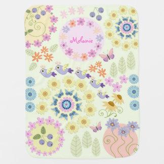 Manta De Bebe Flores bonitos, pássaros, borboletas & nome feito