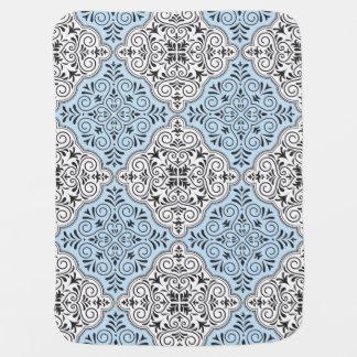 Manta De Bebe Flourish Rococo azul do teste padrão