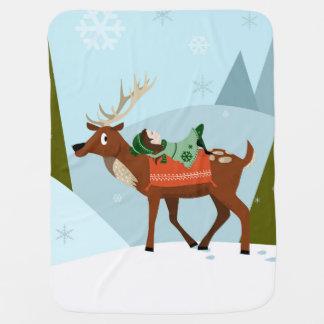 Manta Para Bebe O cervo e o duende do Natal em montanhas nevado