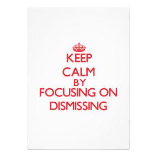 Mantenha a calma centrando-se sobre a demissão convite personalizados
