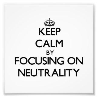 Mantenha a calma centrando-se sobre a neutralidade foto