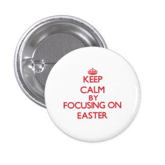 Mantenha a calma centrando-se sobre a PÁSCOA Botons