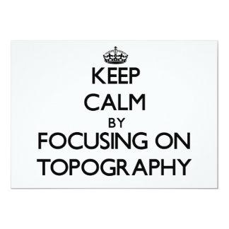 Mantenha a calma centrando-se sobre a topografia convite personalizados