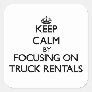 Mantenha a calma centrando-se sobre arrendamentos adesivo quadrado