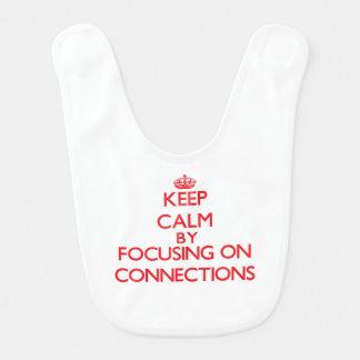 Mantenha a calma centrando-se sobre conexões babadores para bebes
