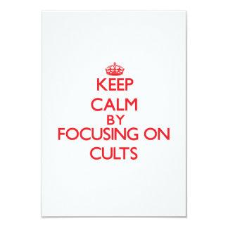 Mantenha a calma centrando-se sobre cultos convite 8.89 x 12.7cm