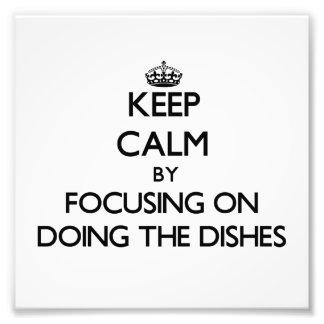 Mantenha a calma centrando-se sobre fazer os prato impressão fotográfica