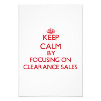 Mantenha a calma centrando-se sobre liquidações convite