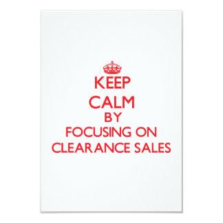 Mantenha a calma centrando-se sobre liquidações convite 8.89 x 12.7cm