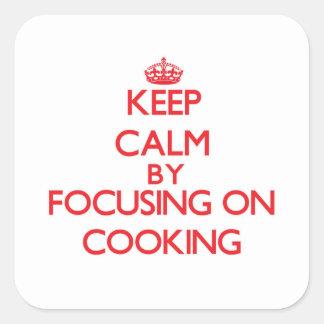 Mantenha a calma centrando-se sobre o cozinhar adesivo quadrado