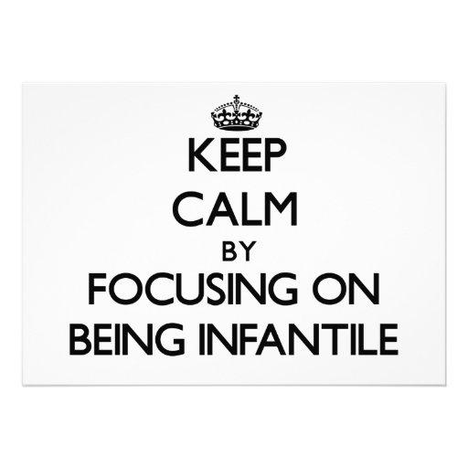 Mantenha a calma centrando-se sobre ser infantil convite