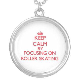 Mantenha a calma centrando-se sobre sobre a patina pingente
