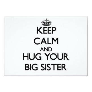Mantenha a calma e abrace sua irmã mais velha convite