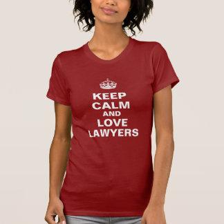 Mantenha a calma e ame advogados camiseta
